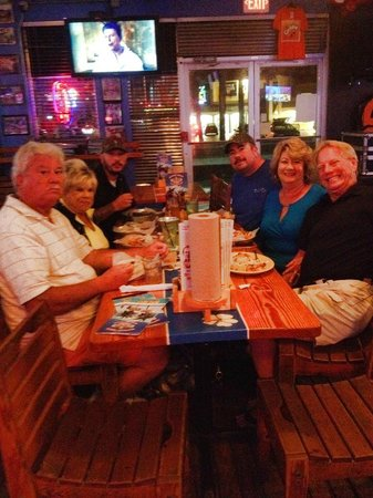 Captain Curt's Crab & Oyster Bar: Fun Times with Family & Friends
