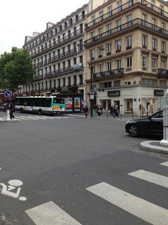 BEST WESTERN Paris Louvre Opera : near by