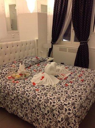 Hotel La Casa di Morfeo: camera giglio bianco