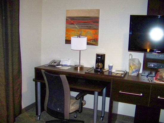Holiday Inn Express Hotel & Suites - Santa Clara: desk area