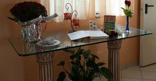 Agios Sostis Hotel Apartments: Reception
