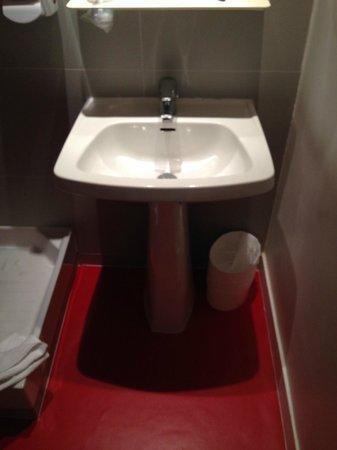 Hotel Lecourbe: stanza da bagno