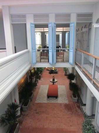 The Memory at On On Hotel: courtyard