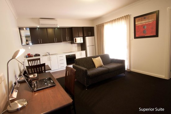 Best Western Plus Charles Sturt Suites & Apartments: Superior Suite