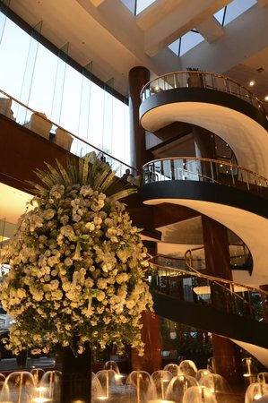 Hua Ting Hotel & Towers: Hotel lobby