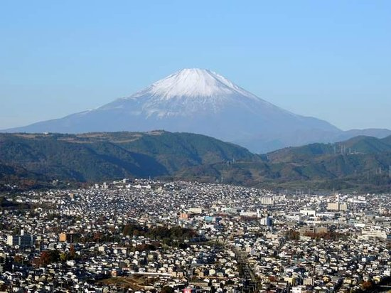 Mt. Hadano Gongen : 展望台から眺める秦野盆地と富士山