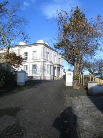 Breezemount Manor: Breezemount house