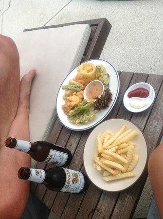 Lazy Day's Samui Beach Resort: aperitivo in piscina