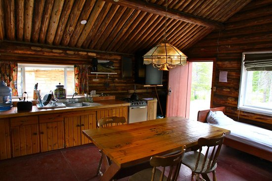 Cathedral Lakes Lodge: Inside Harvie Walker's cabin