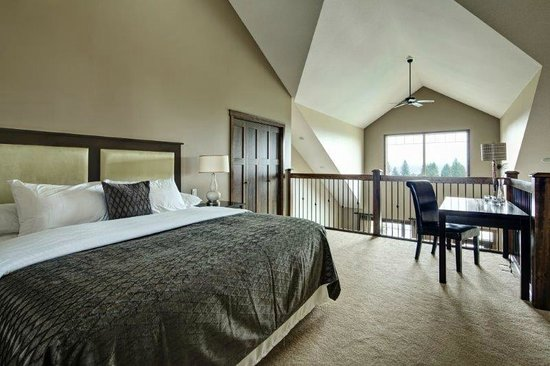 Bighorn Meadows Resort: Large Spacious Loft Suites
