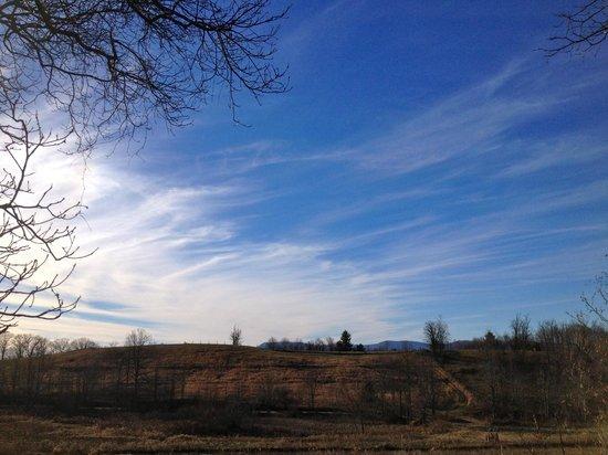 Fire Mountain Inn: Beautiful blue sky