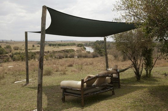 Entim Camp : Relax with a great view on the Mara river