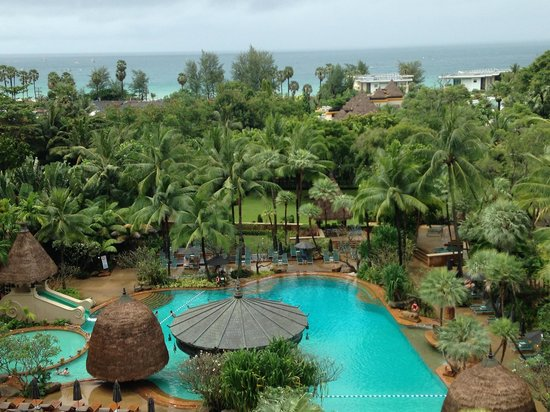 Movenpick Resort & Spa Karon Beach Phuket: View from our room on our one rainy day out of ten!