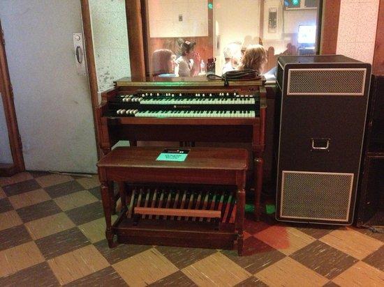 RCA Studio B: Hammond organ