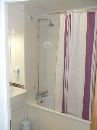 Premier Inn Manchester City Centre (Piccadilly) Hotel: Bathroom