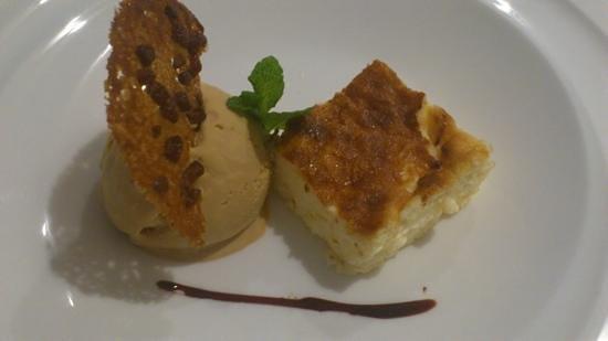 Puerta 23: Tarta de queso con helado de turrón