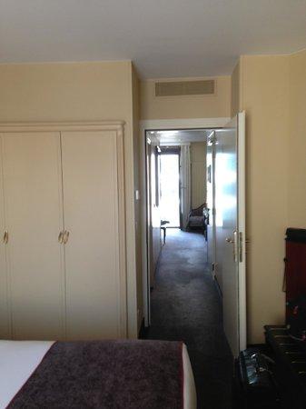 Tiffany Hotel: Hallway