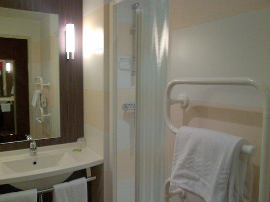 Brit Hotel Atalante Beaulieu: sdb