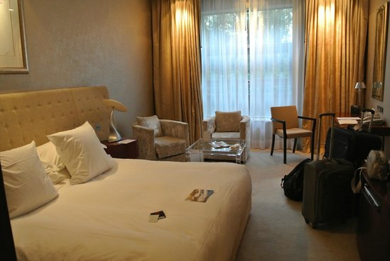 The g Hotel Galway: Superior Room