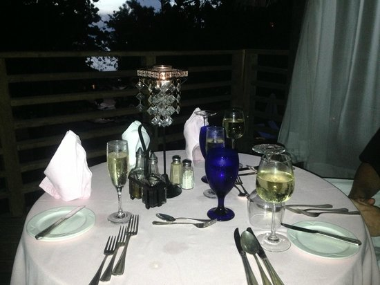 Couples Negril: tree house dinner for 2