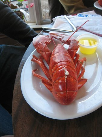 Bartley's Dockside Dining: Steamed Lobster!!! Yummy ....