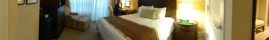 Fontainebleau Miami Beach: quarto com computador e wifi