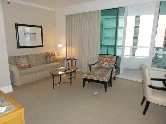 Fontainebleau Miami Beach: sala de estar