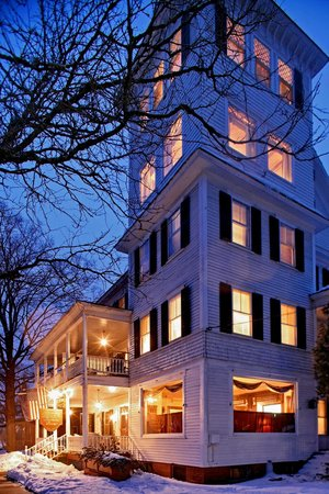 Saxtons River, VT: The Inn