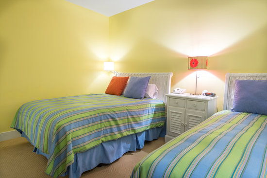 Bay Harbor Village Hotel & Conference Center: Interior Room