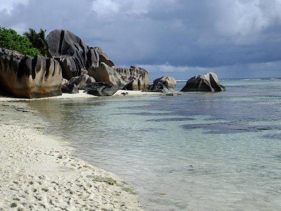 Au Fond de Mer View: Seychelle beach - La Digue