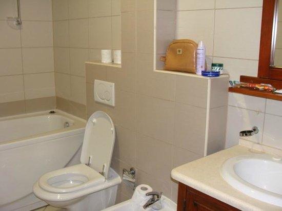 Hotel Villa Regina: bagno ampio
