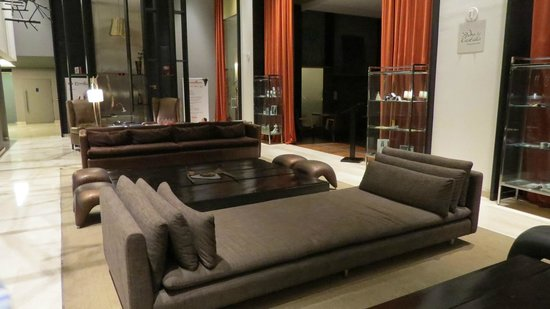 Esplendor Mendoza: Hall do Hotel