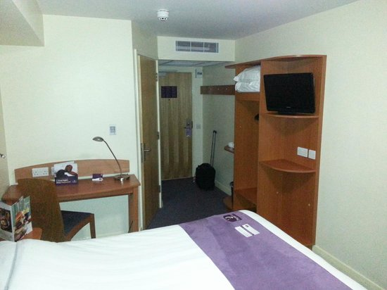 Premier Inn Chester City Centre Hotel: Room