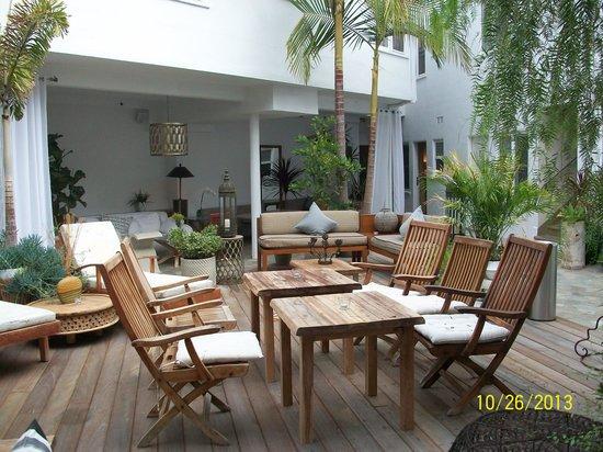Hotel Beverly Terrace : Patio