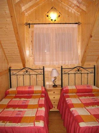 Residencial MontesUniversales: Dormitorio doble