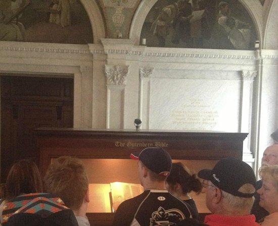 Biblioteca del Congreso: Viewing the Gutenberg Bible