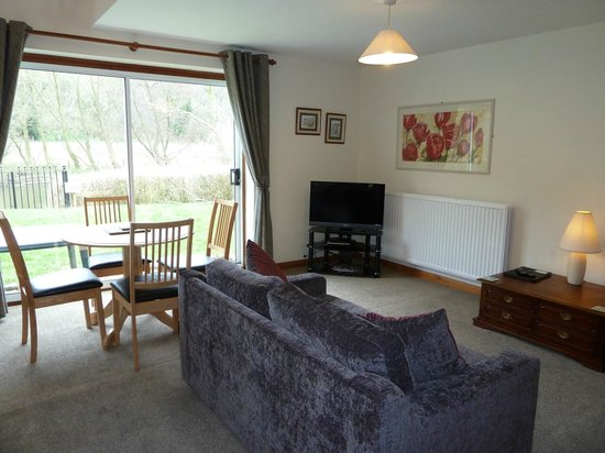 Chainbridge Riverside Retreats : 2 bedroom cottage