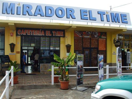 Mirador El Time: Building exterior