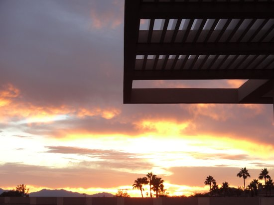 The Phoenician, Scottsdale : Sunset from the terrace at J&G Steakhouse