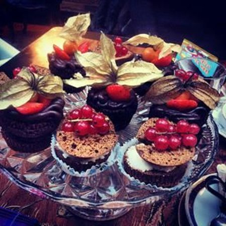 San Fairie Ann Restaurant & Bar: cupcakes