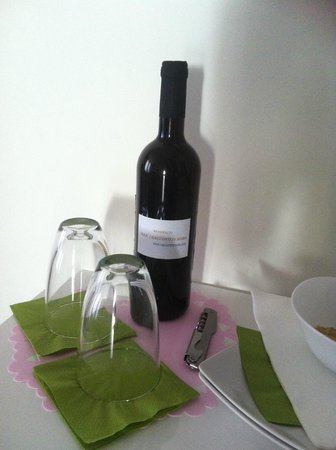I Racconti di Roma : Bottiglia di vino in regalo!