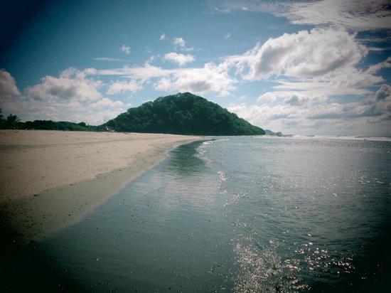 Soma Surf Resort: Beach