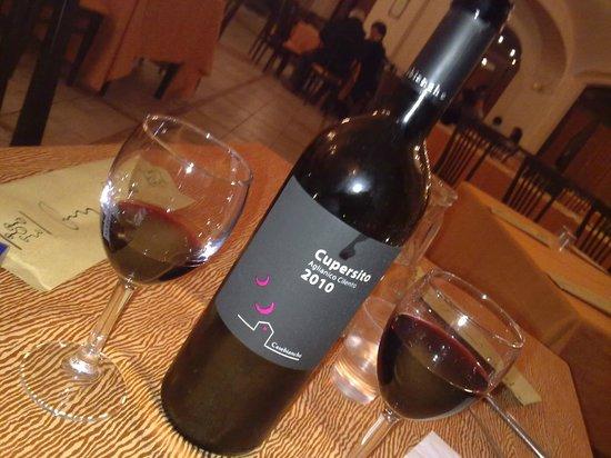 Vernelle Country Resort: vino