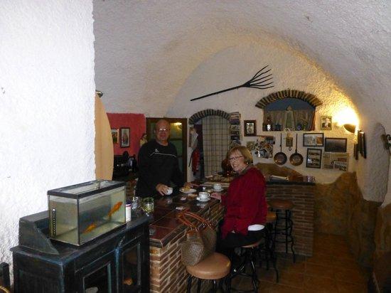 Cuevas de Rolando: Reception area