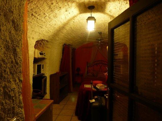 Cuevas de Rolando: The small but adequate room
