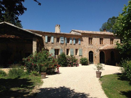 """Le Moulin des Pinchinats : Una vista de la """"bastide""""."""