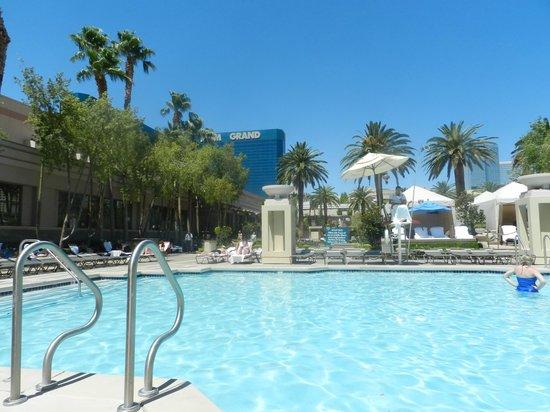 Signature at MGM Grand: MGM Grand pool