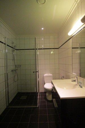 Frogner House Apartments - Skovveien 8: Bathroom