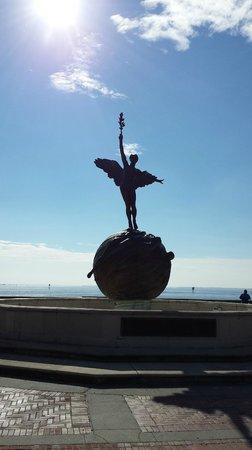 Memorial Park: Memorial Statue