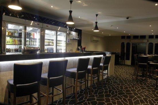 Restaurant bar picture of cattleman 39 s country motor inn for Motor bar and restaurant